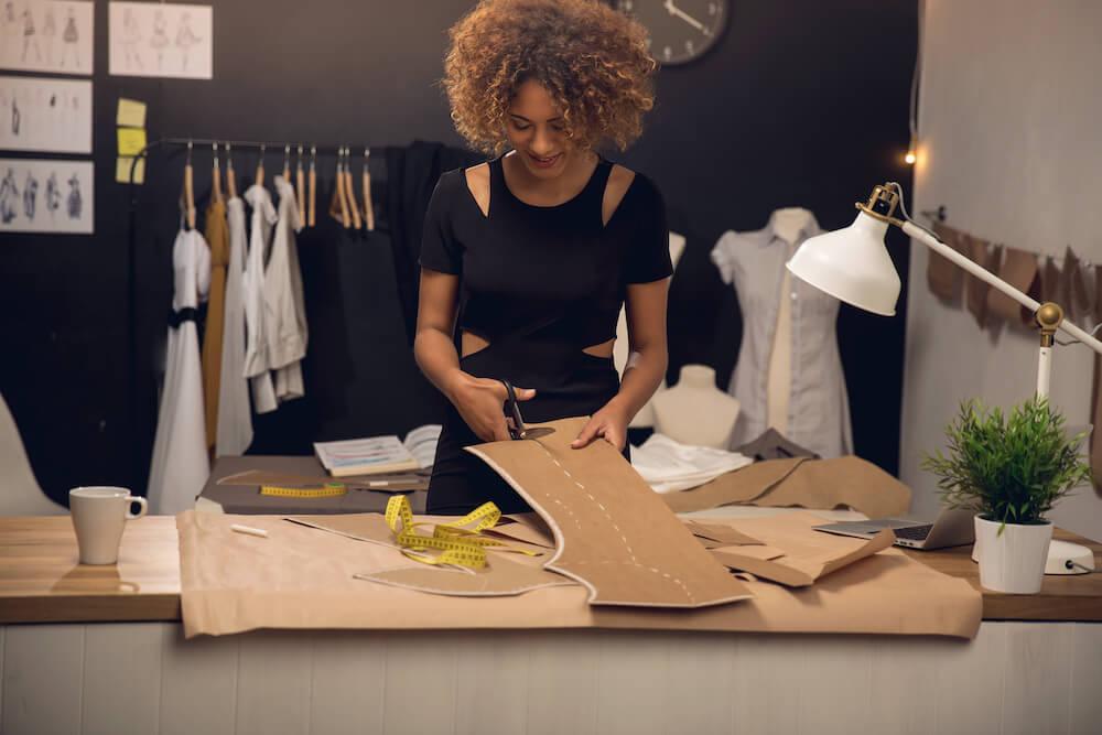 Cómo crear una marca de ropa online